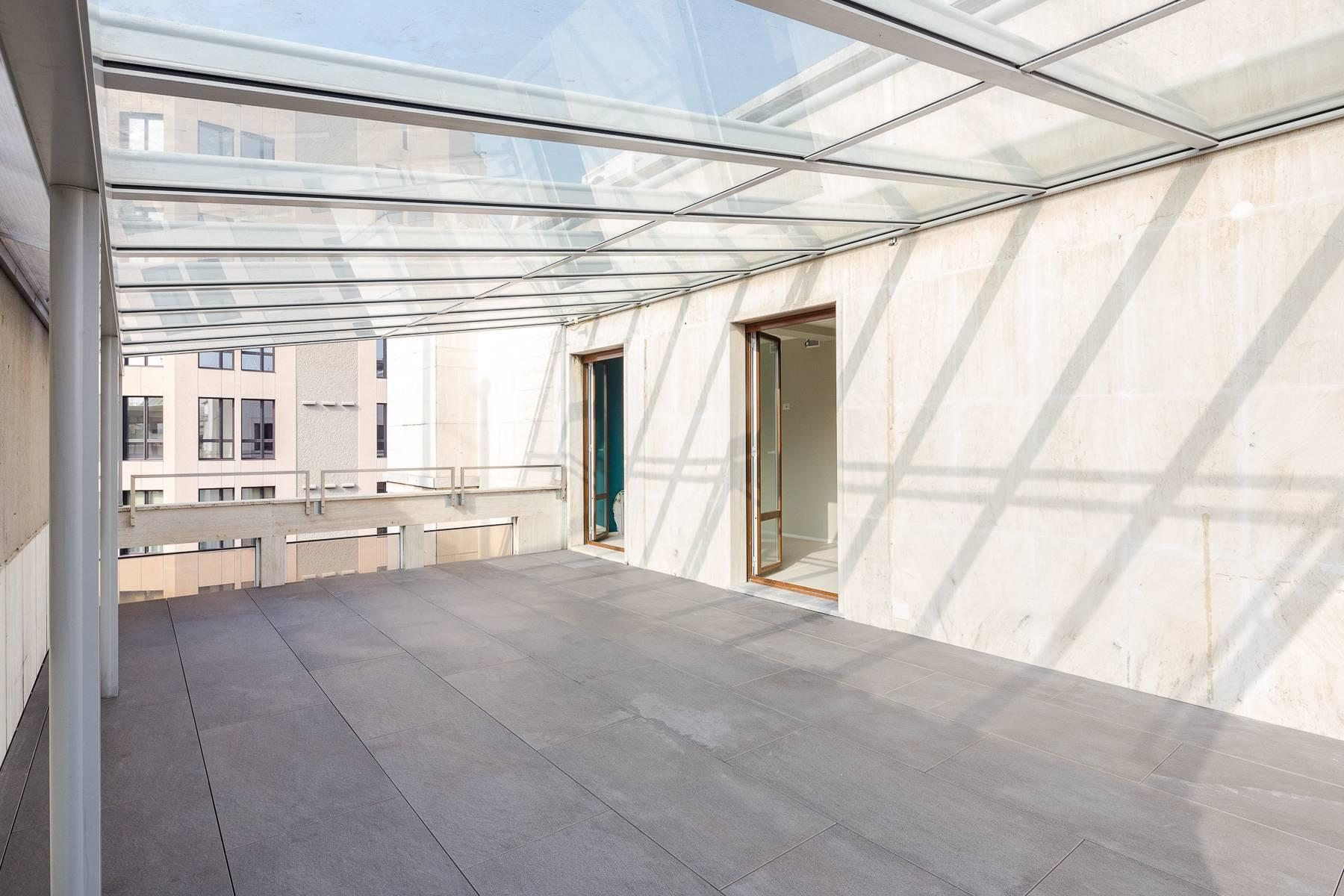 Newly renovated office/medical practice in Piazza Duomo - 11