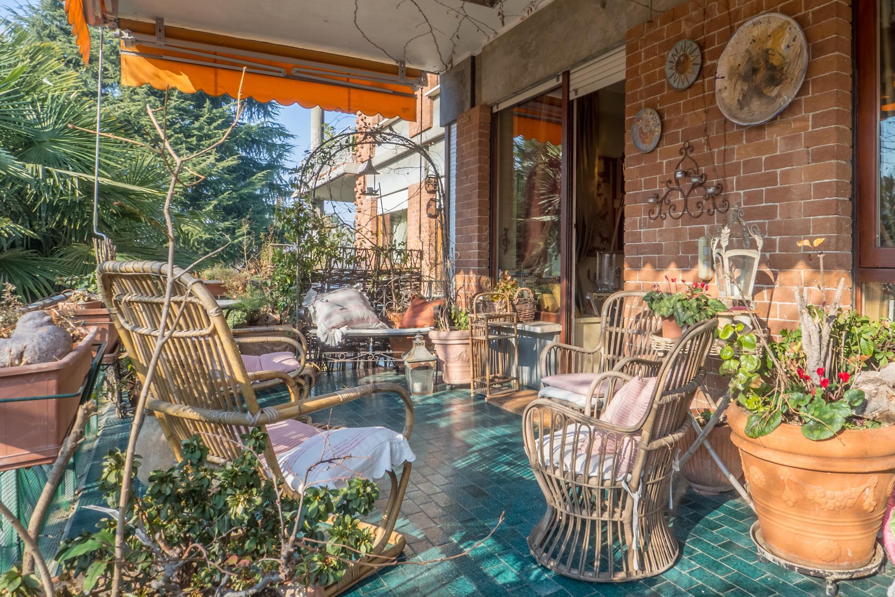 Elegante appartamento con terrazzo ai piedi della collina torinese - 6