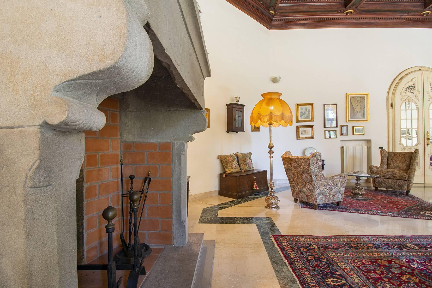 Exquisite apartment in a historic villa - 5