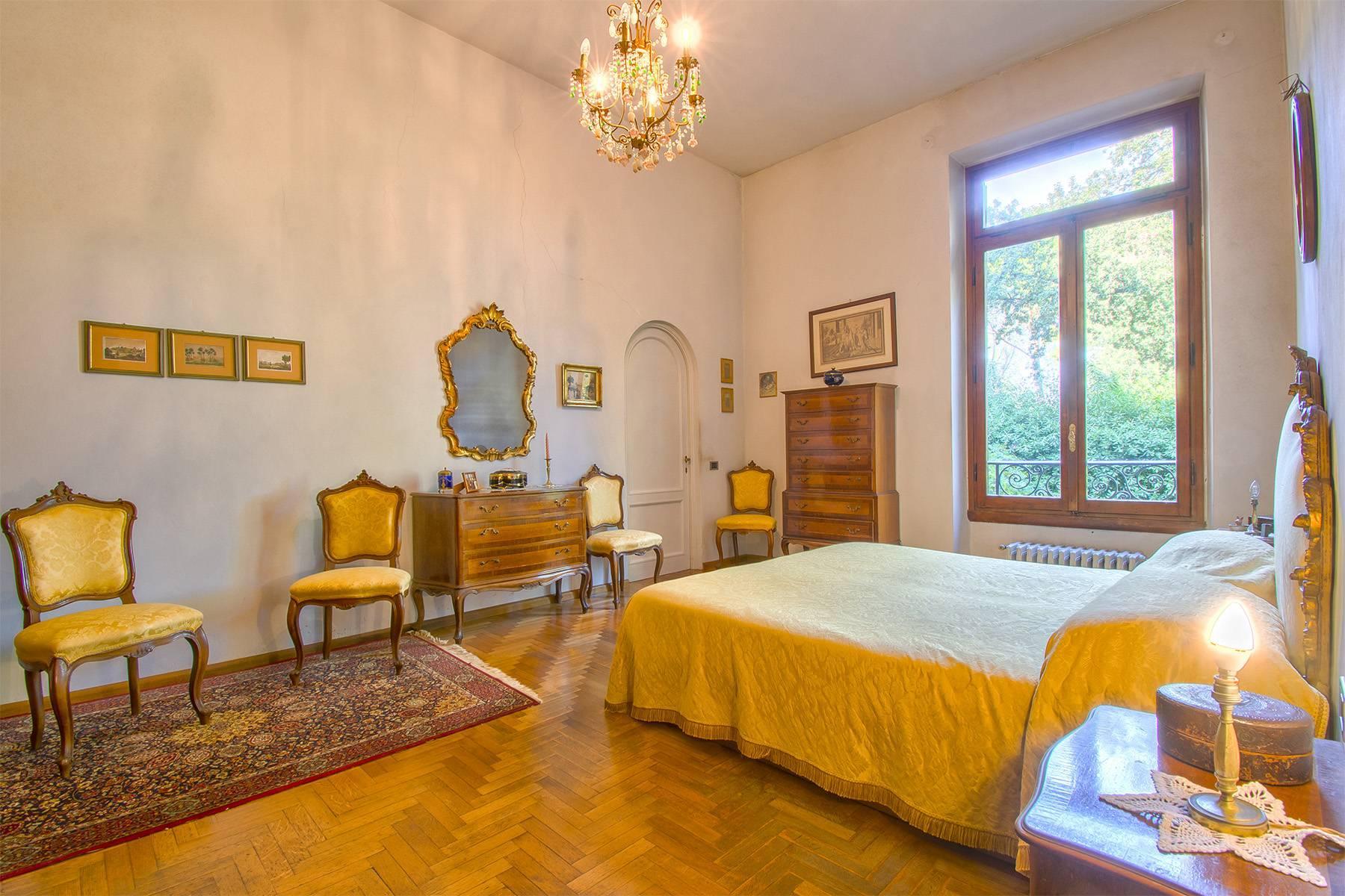 Exquisite apartment in a historic villa - 13