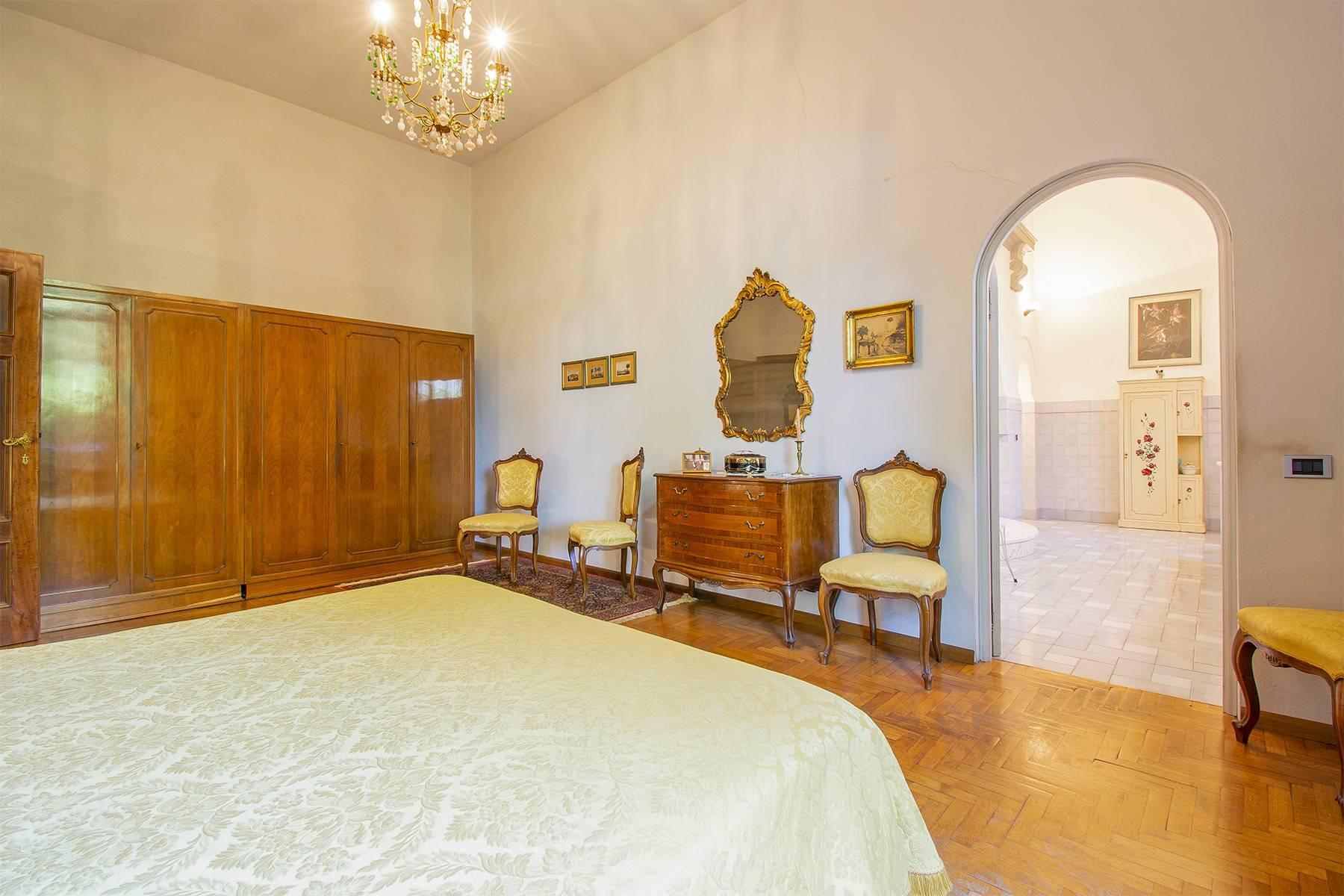 Exquisite apartment in a historic villa - 14
