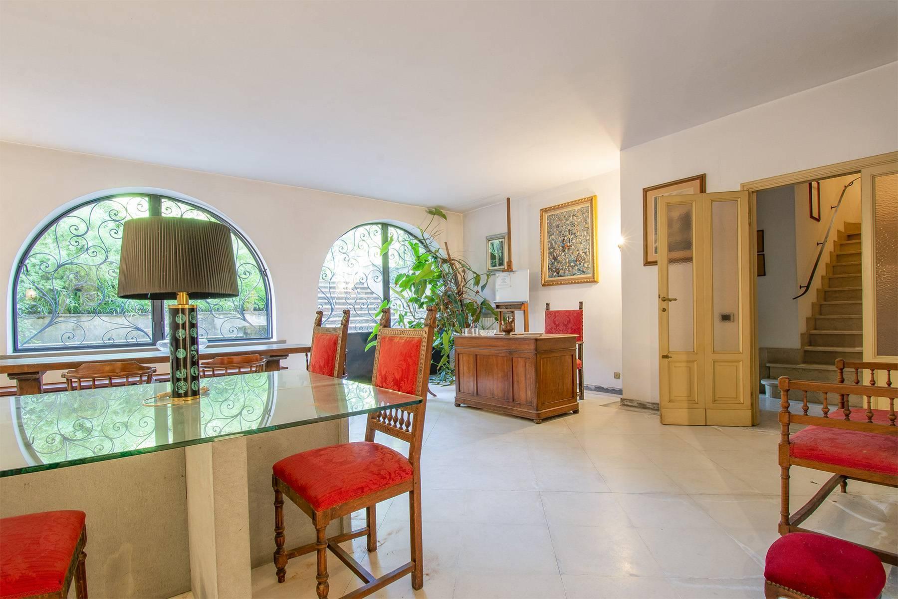 Exquisite apartment in a historic villa - 11