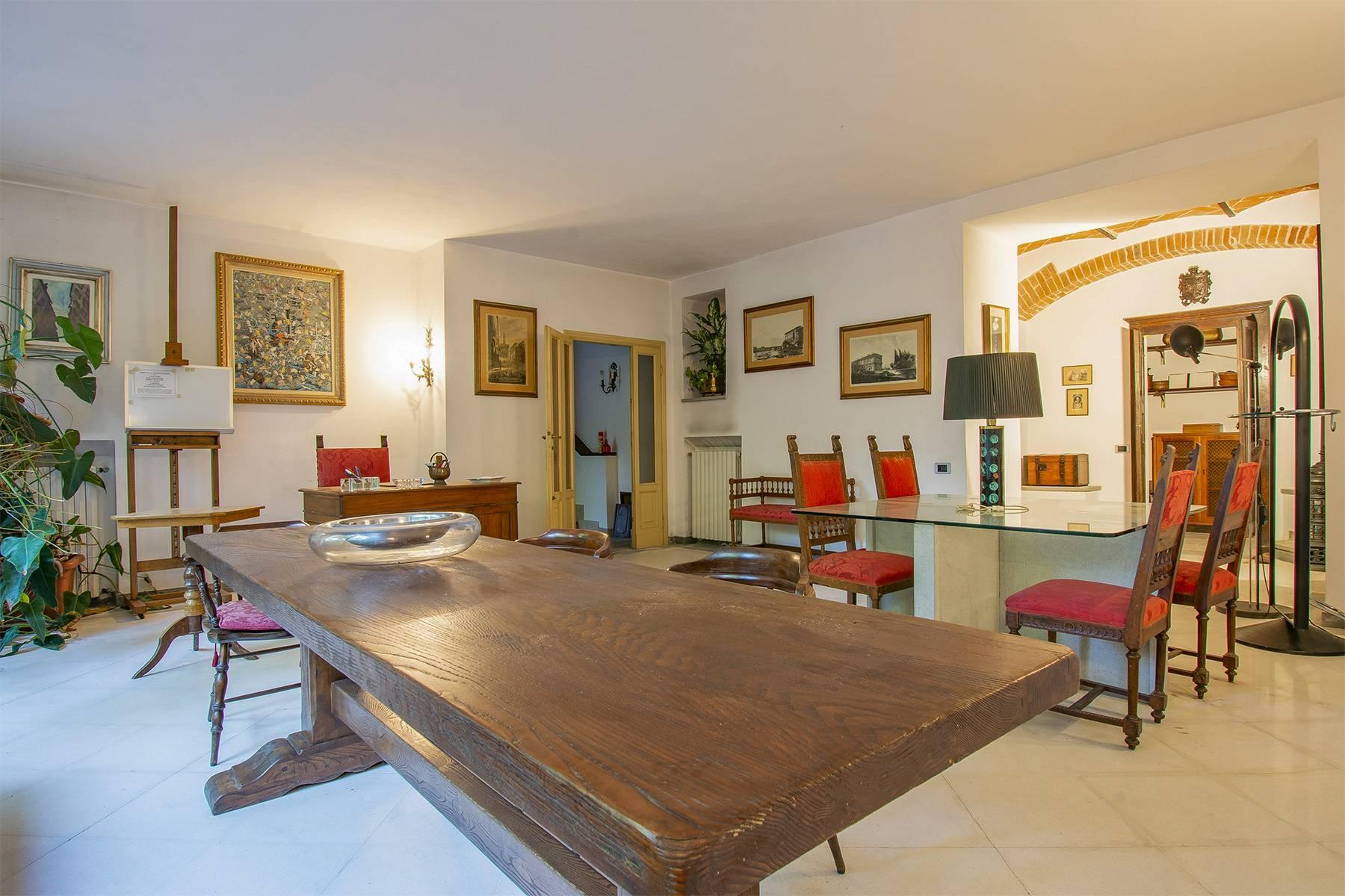 Exquisite apartment in a historic villa - 18