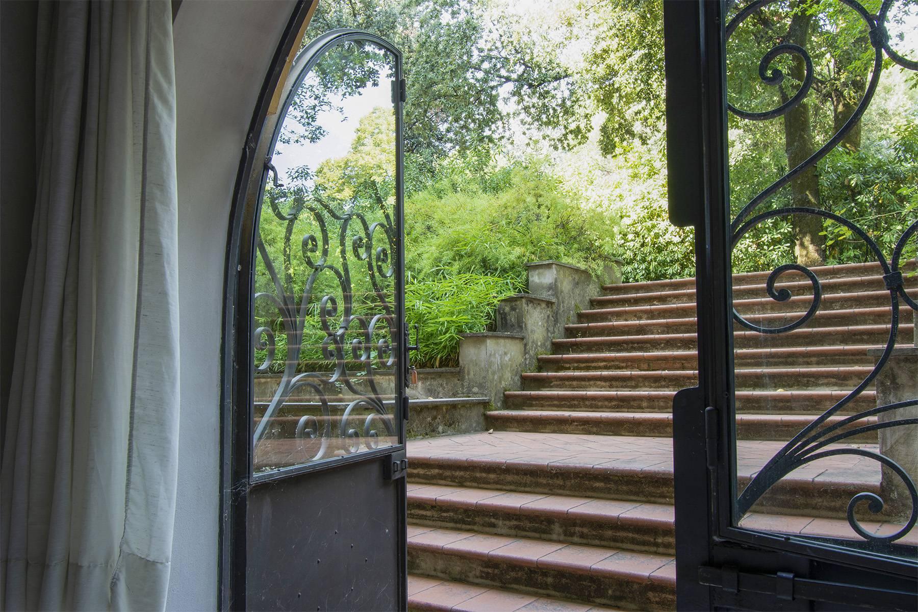 Exquisite apartment in a historic villa - 19
