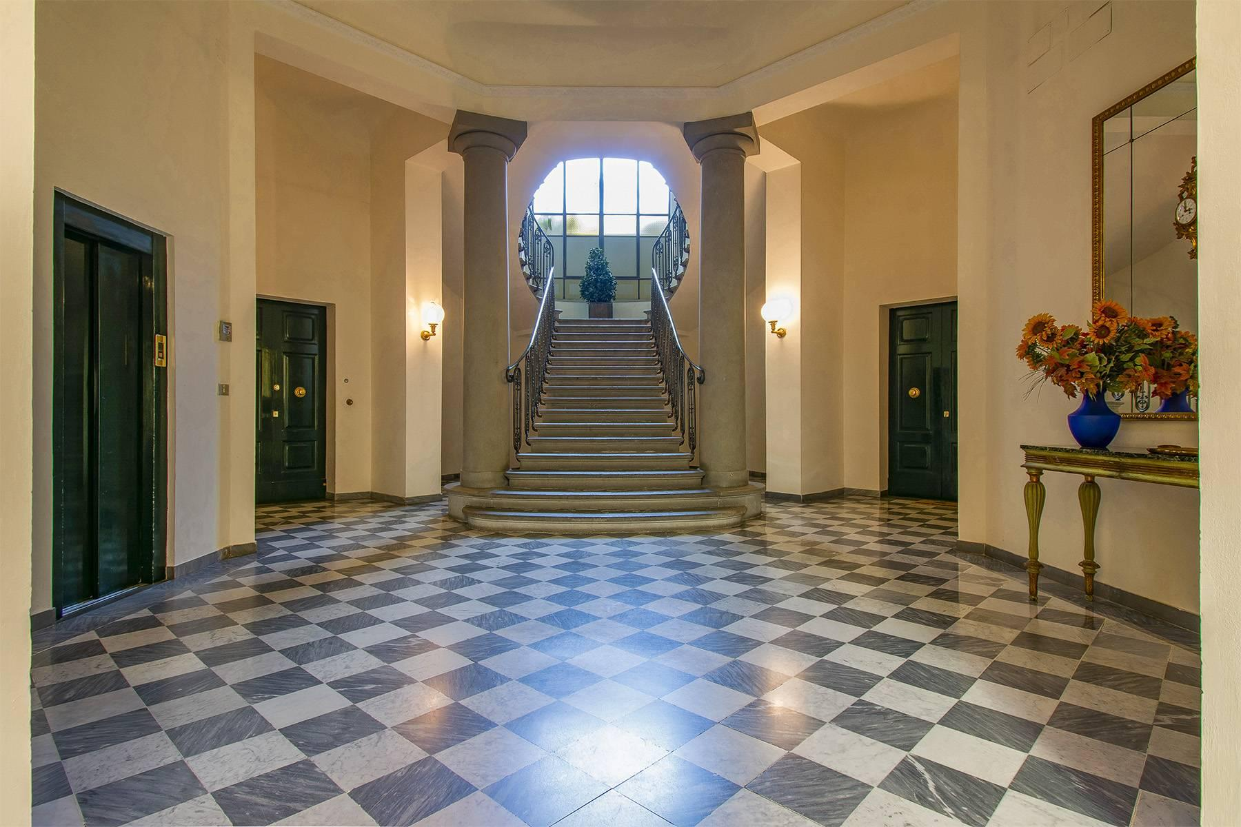 Exquisite apartment in a historic villa - 1