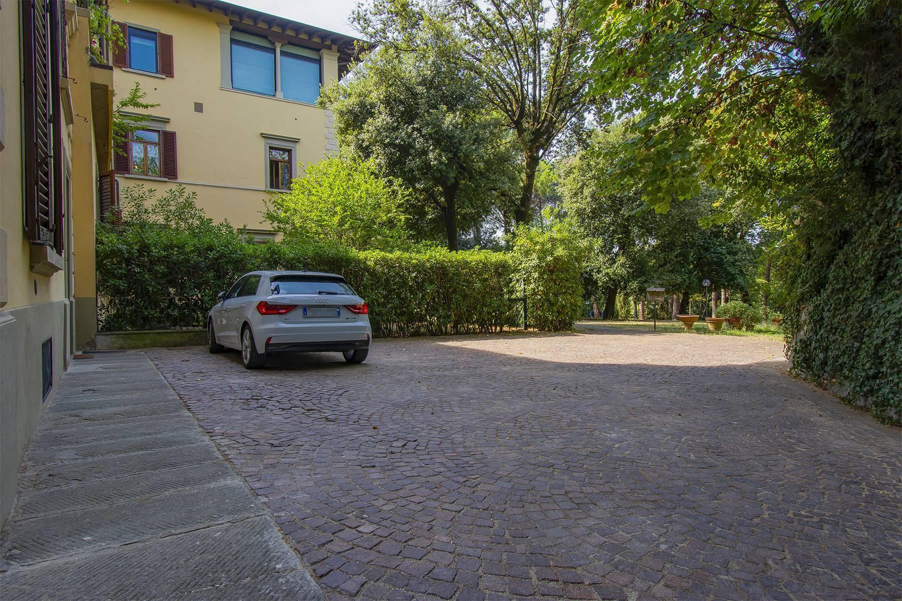 Exquisite apartment in a historic villa - 21