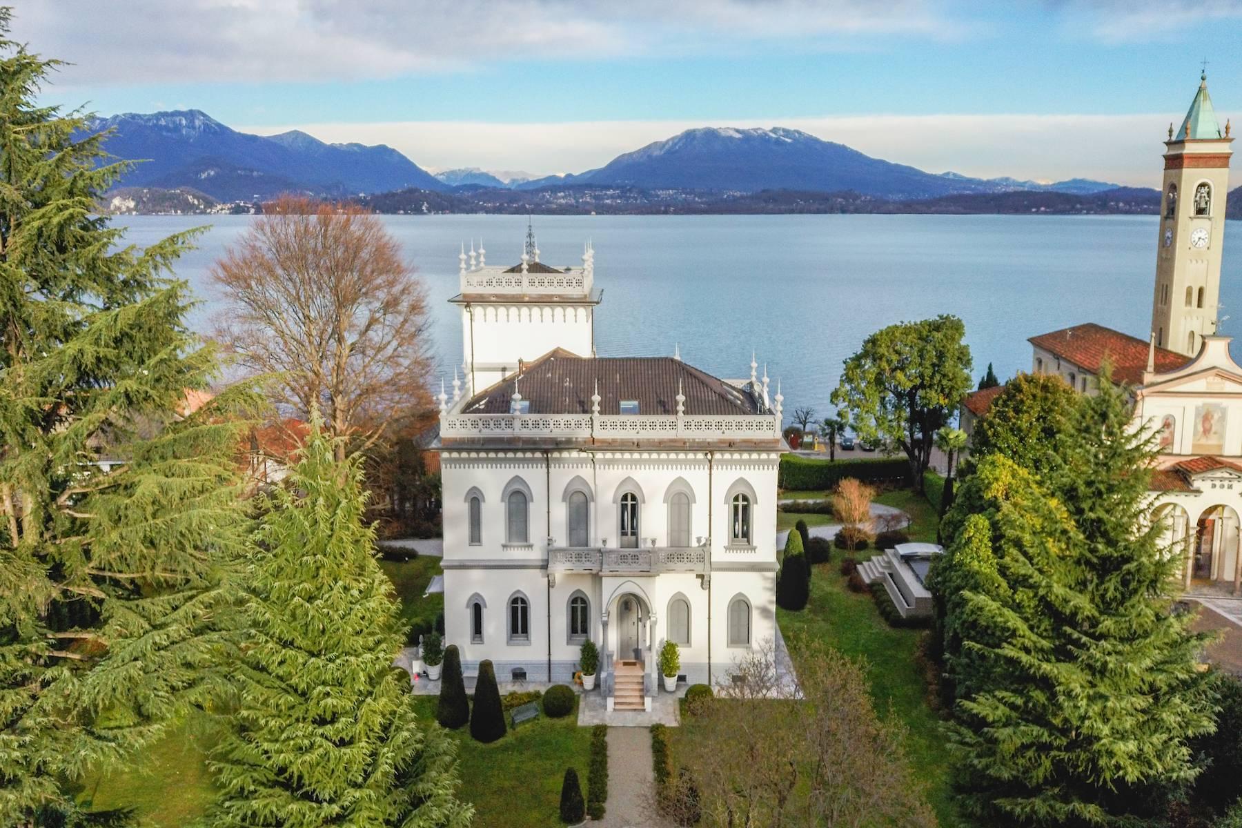 Art-Nouveau villa on the shores of Lesa - 1