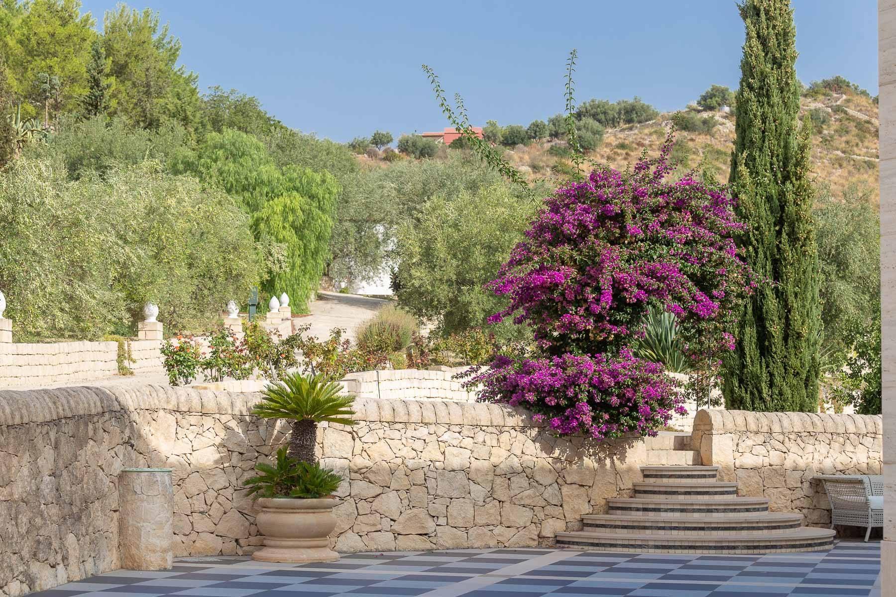 Prestigiosa proprietà sulle splendide colline di Noto - 30
