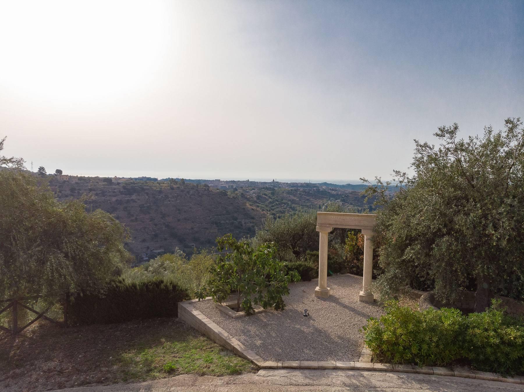 Prestigiosa proprietà sulle splendide colline di Noto - 31