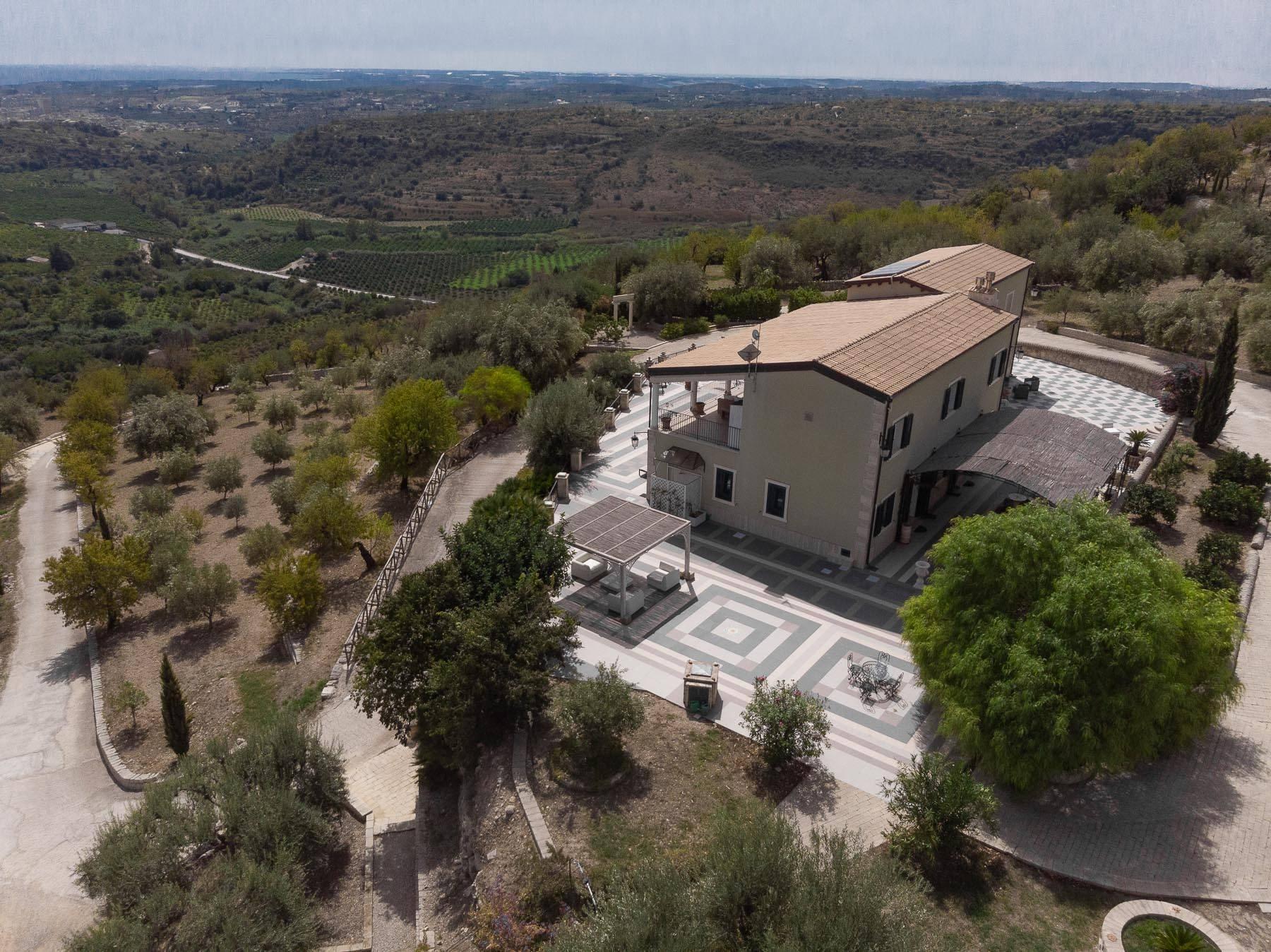 Prestigiosa proprietà sulle splendide colline di Noto - 32
