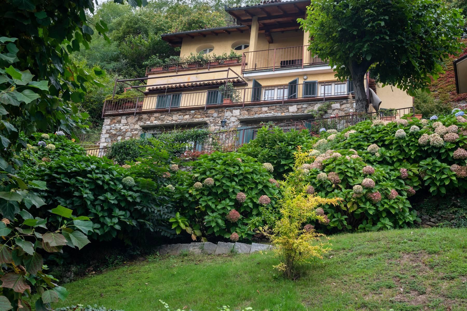 Elegant apartment in the small hamlet of Belgirate - 19