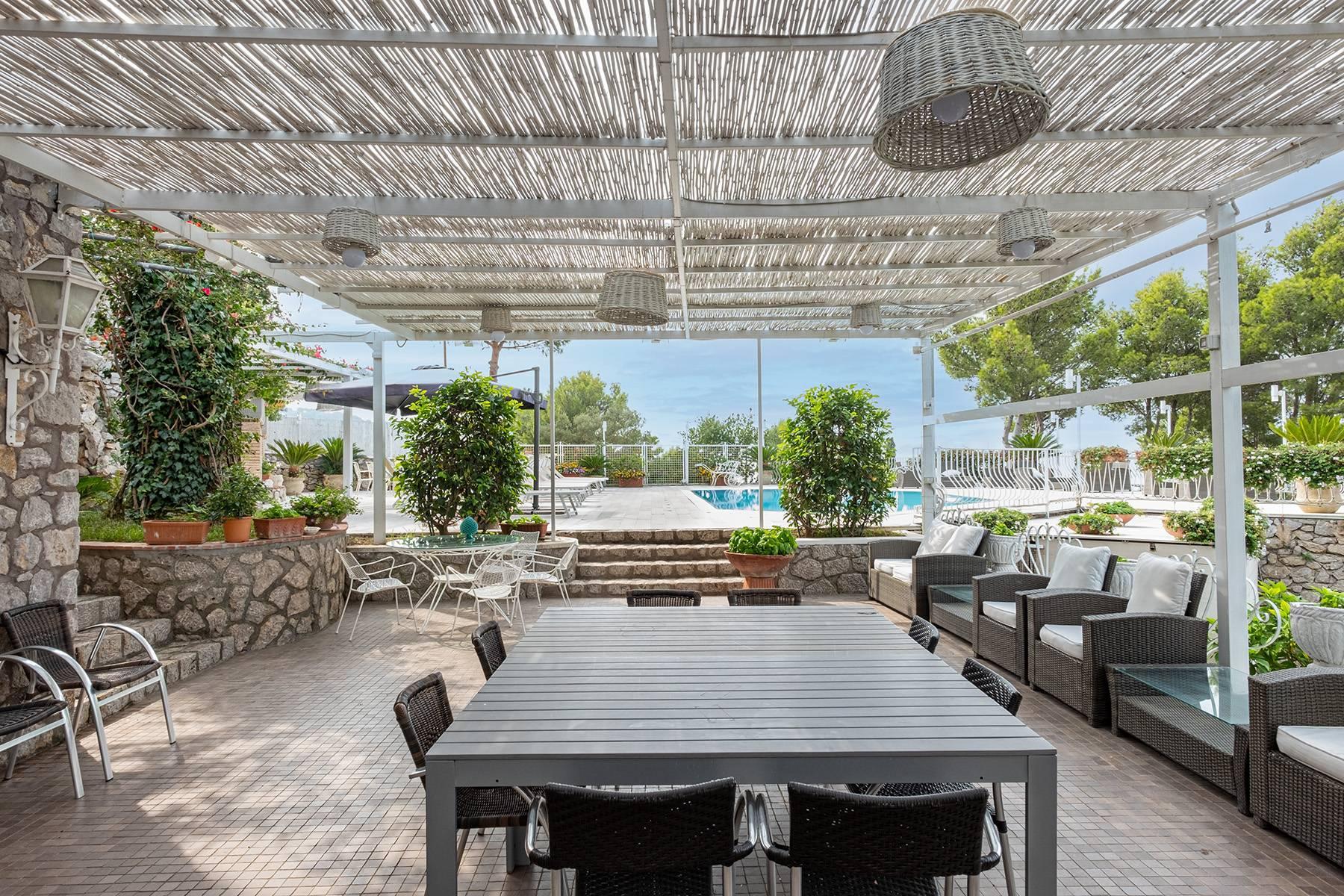 Imposante Villa am Meer - 8