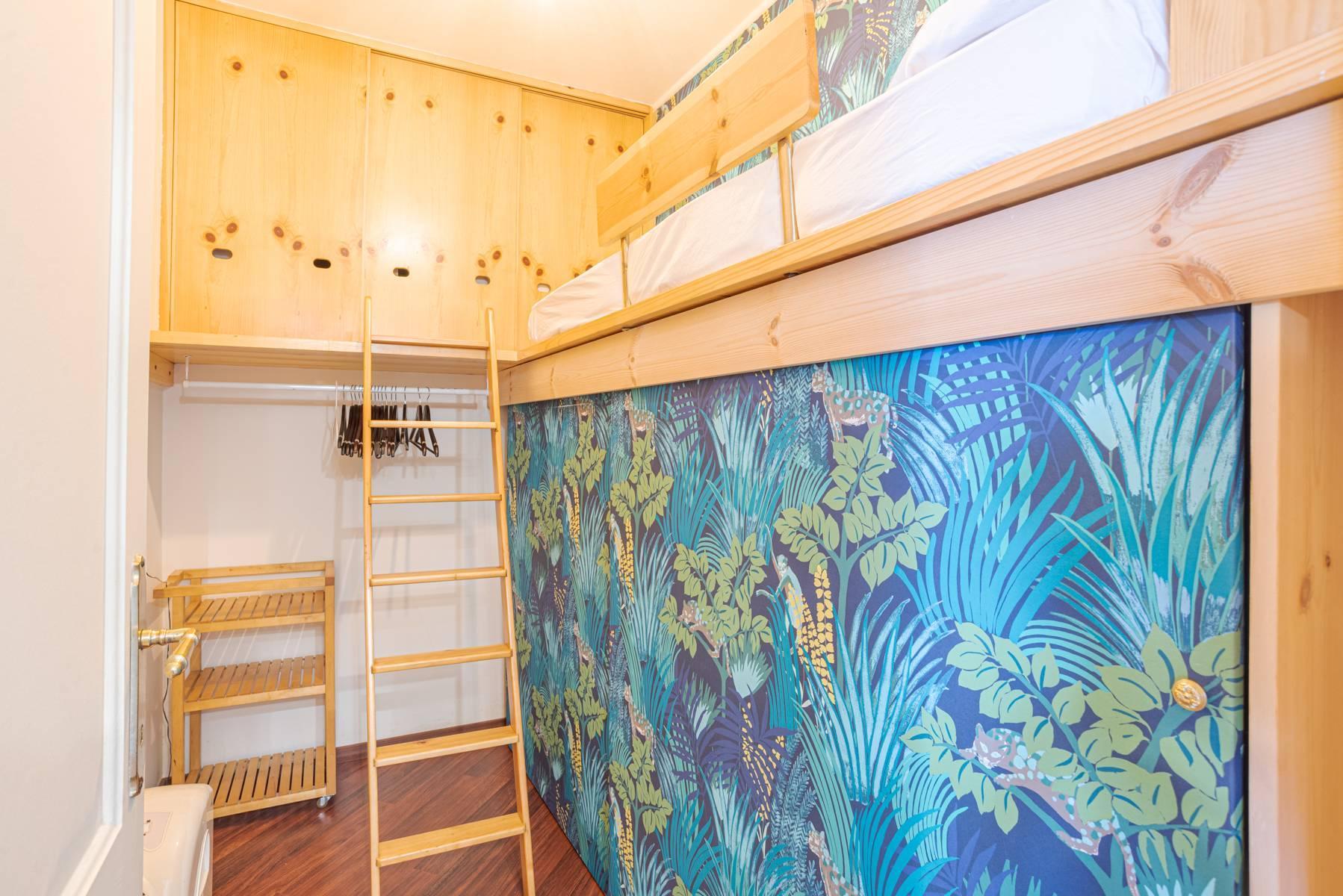 Elegant apartment in the small hamlet of Belgirate - 11
