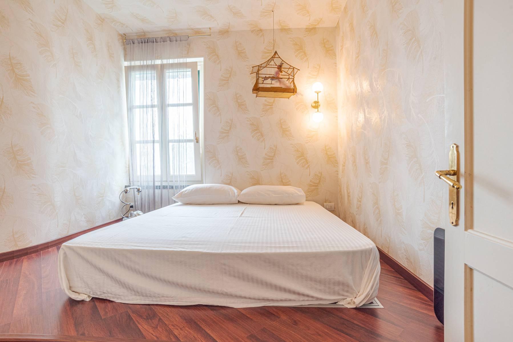 Elegant apartment in the small hamlet of Belgirate - 12