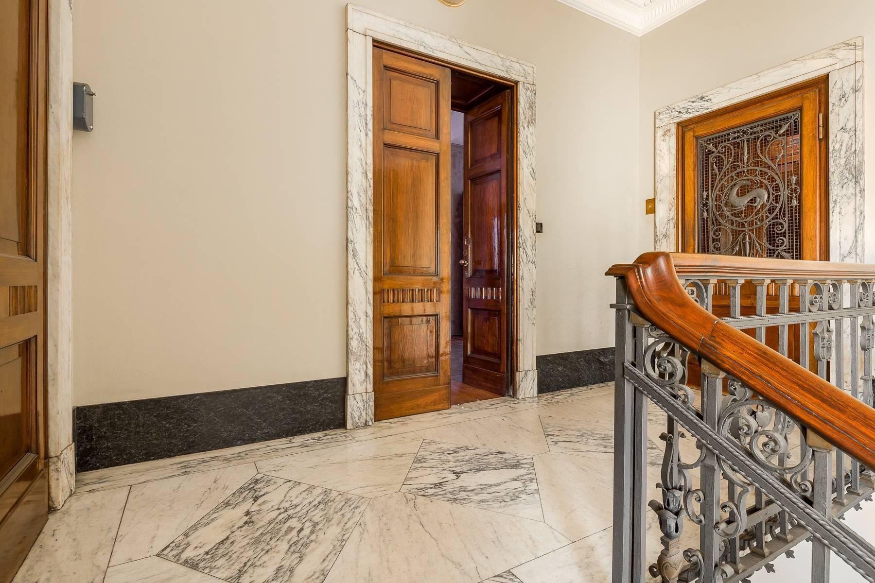 Charming period apartment in Viale Majno - 24