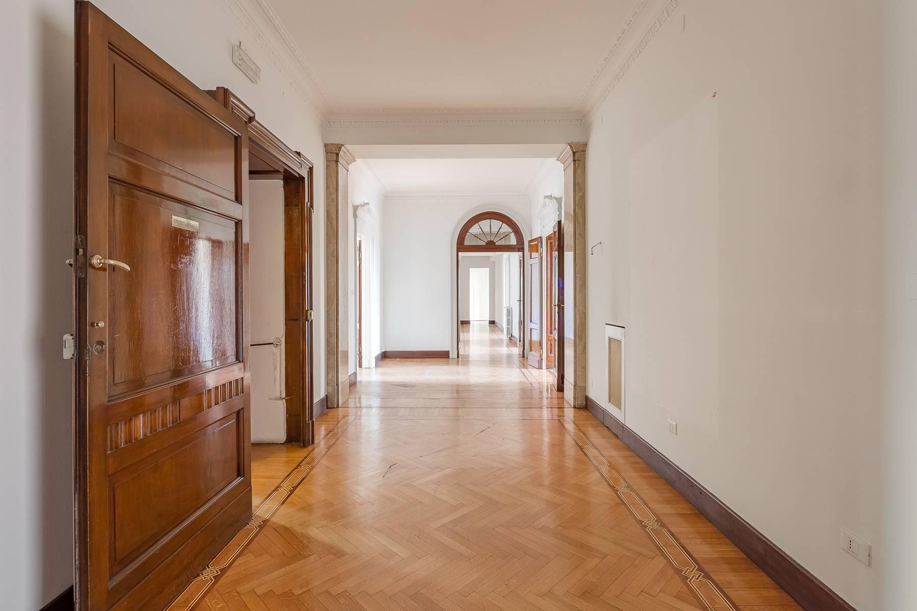 Charming period apartment in Viale Majno - 9