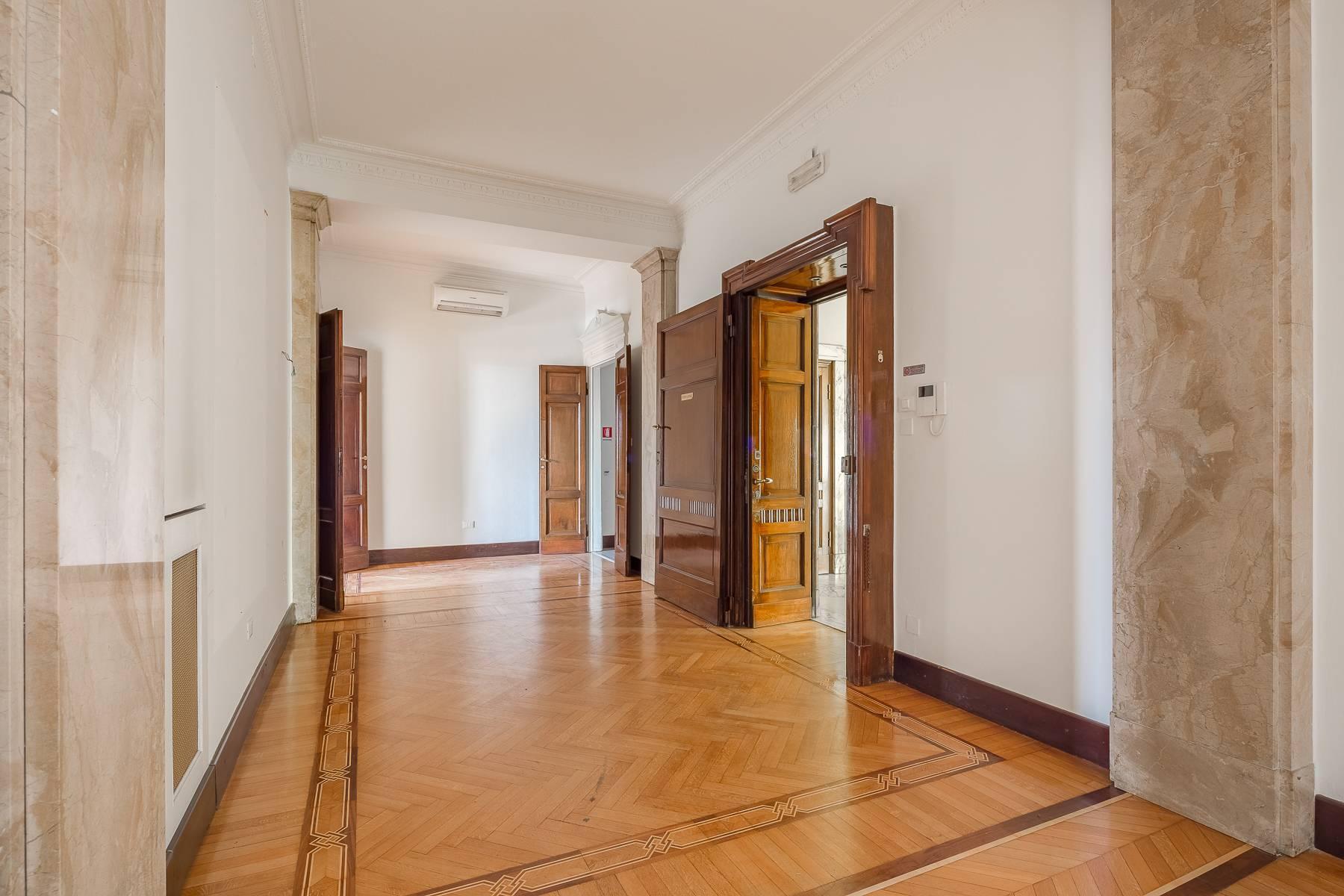 Charming period apartment in Viale Majno - 4