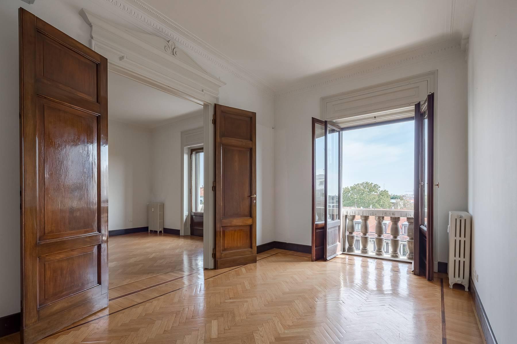 Charming period apartment in Viale Majno - 3