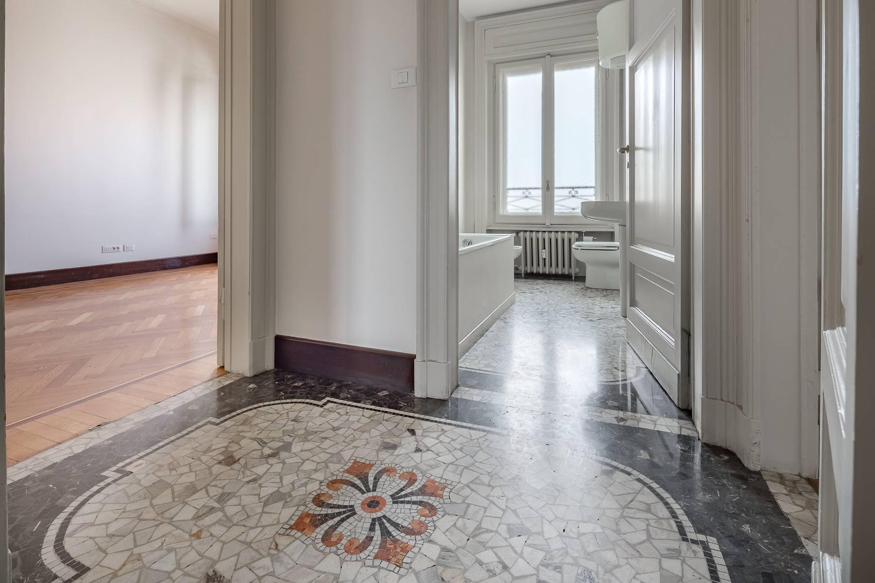 Charming period apartment in Viale Majno - 21