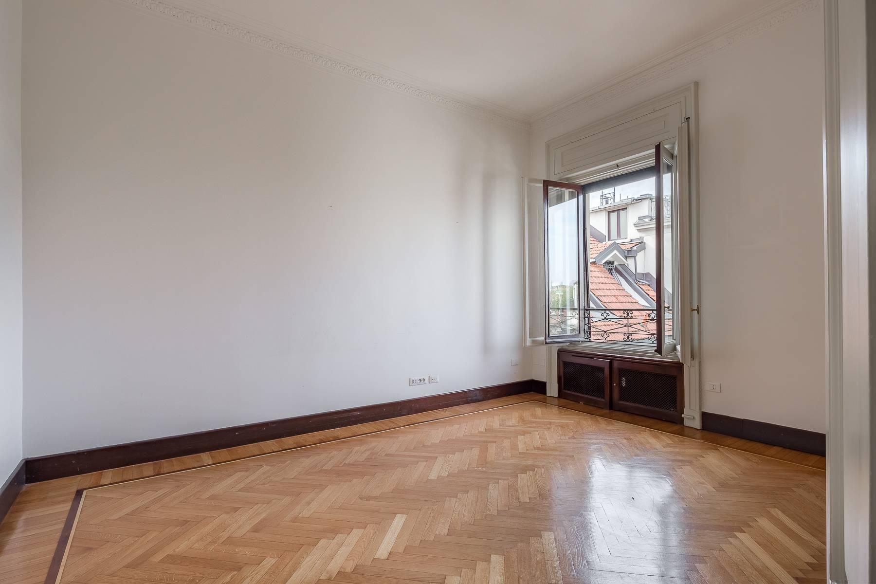Charming period apartment in Viale Majno - 19