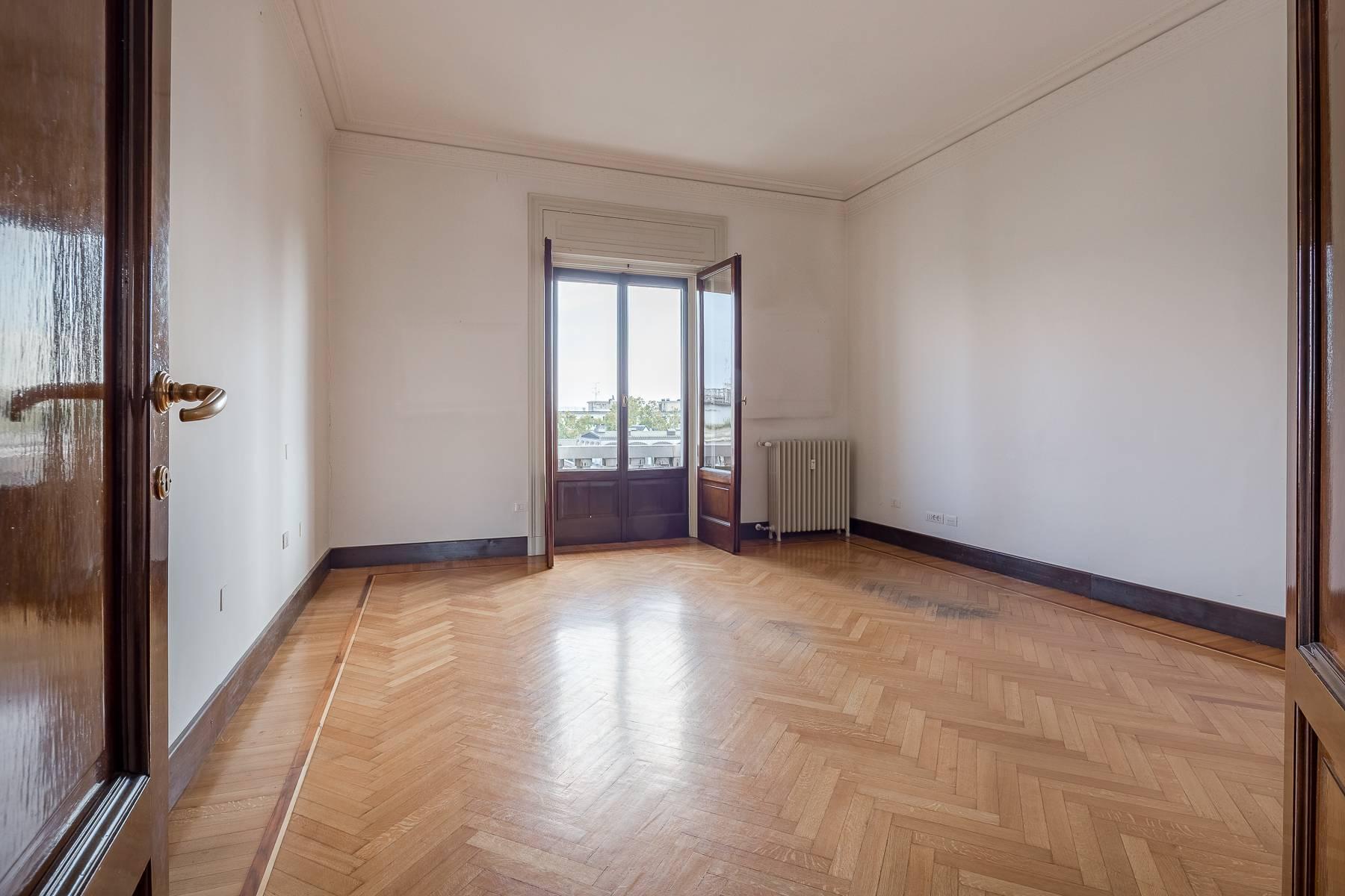 Charming period apartment in Viale Majno - 13