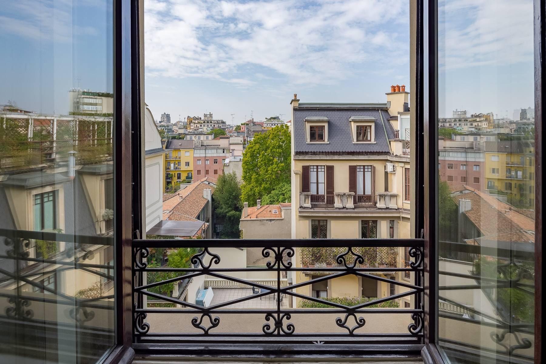 Charming period apartment in Viale Majno - 8