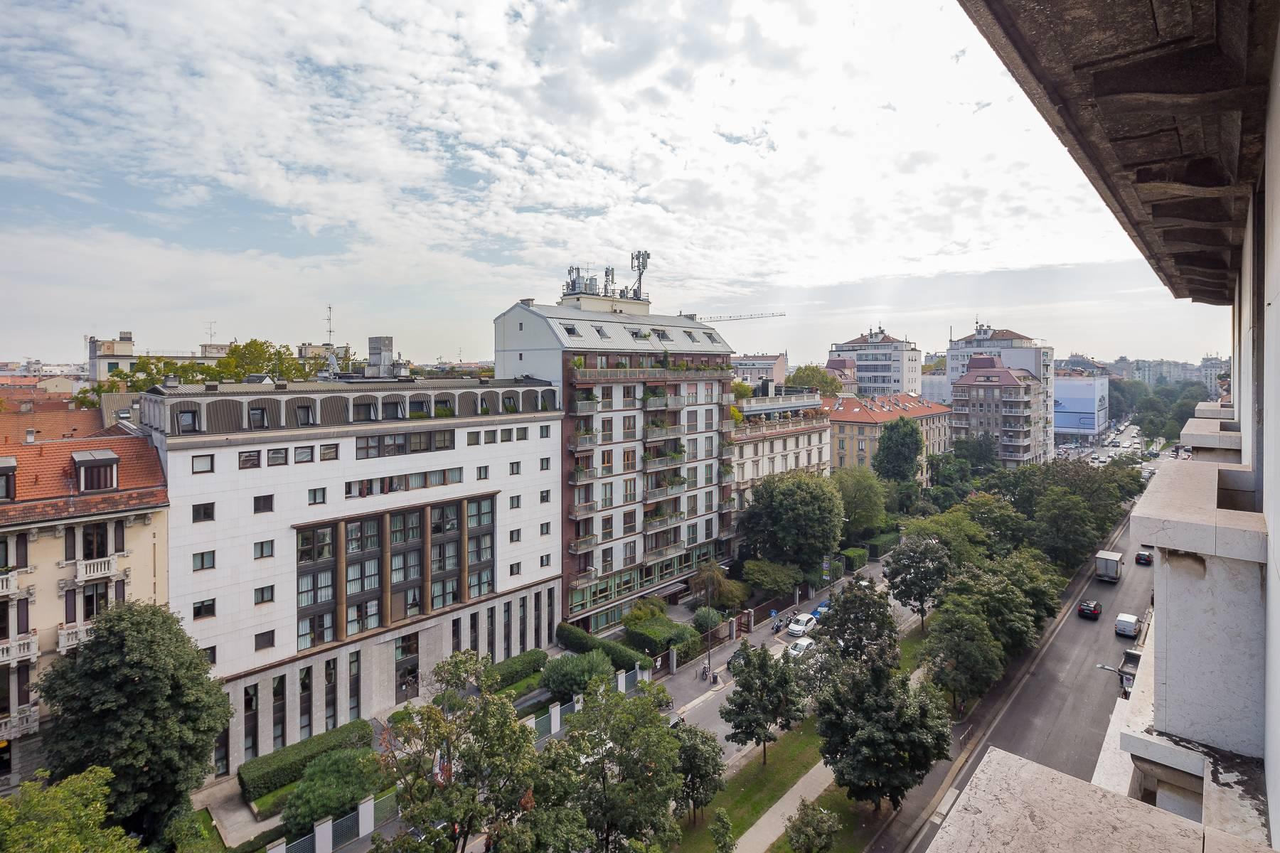 Charming period apartment in Viale Majno - 12