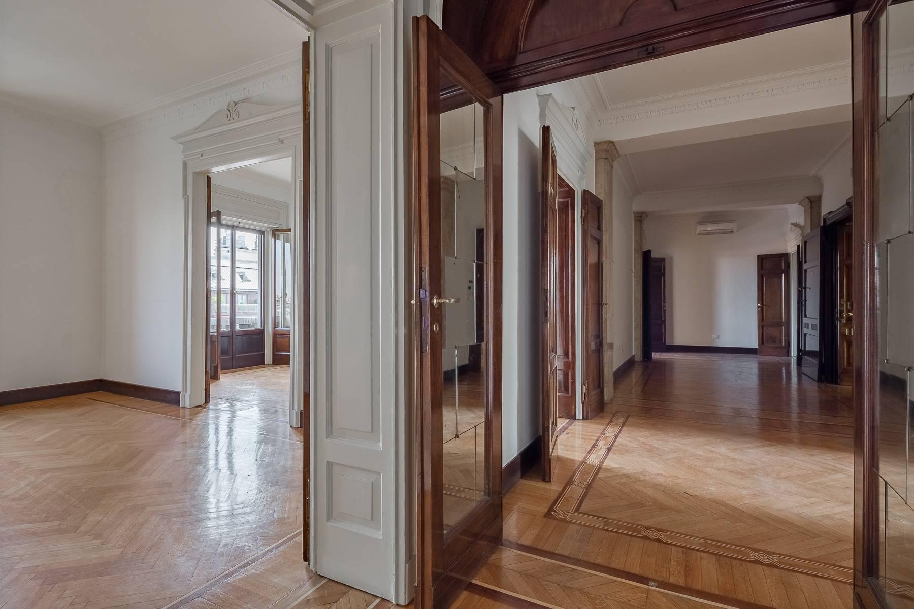 Charming period apartment in Viale Majno - 7