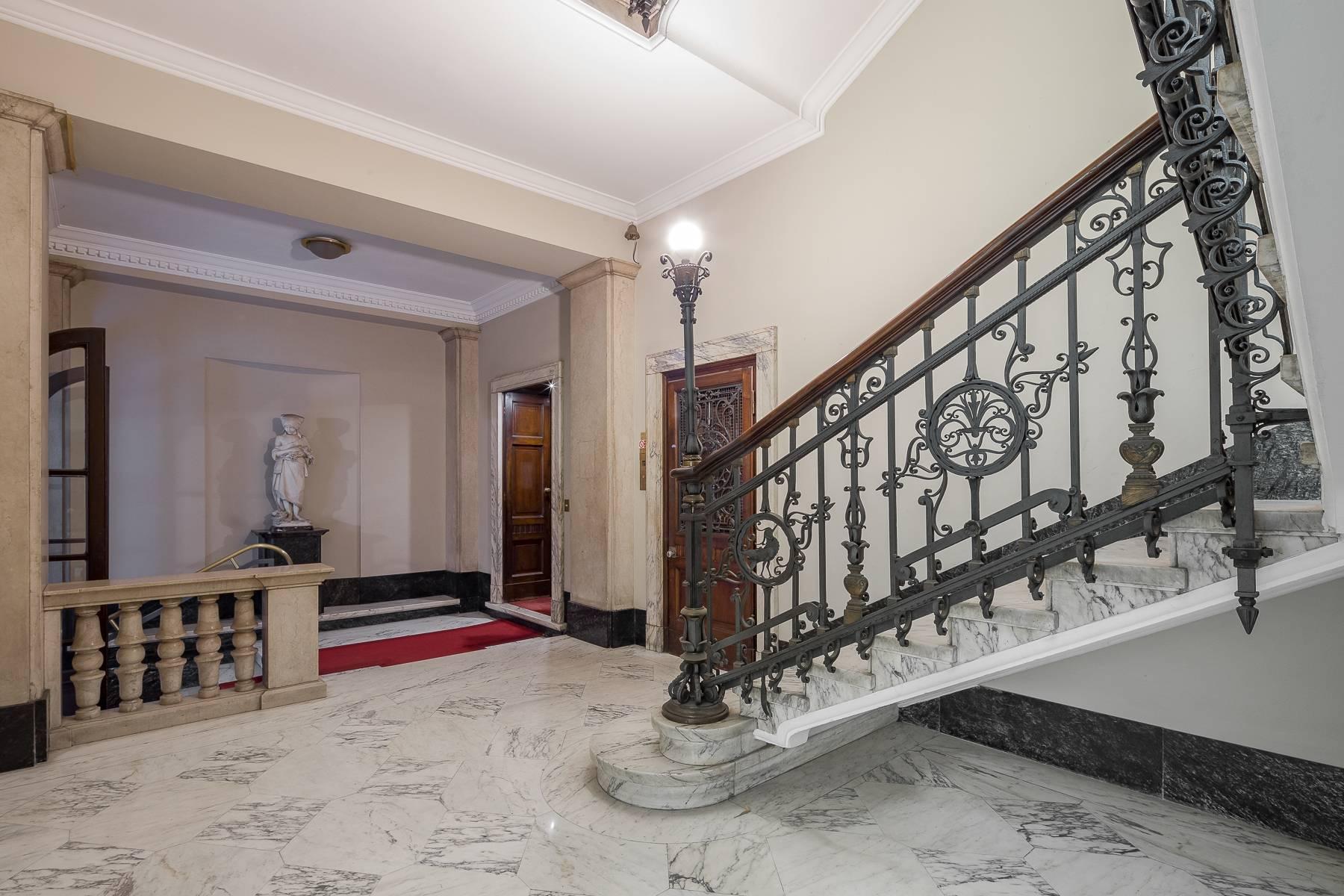 Charming period apartment in Viale Majno - 23