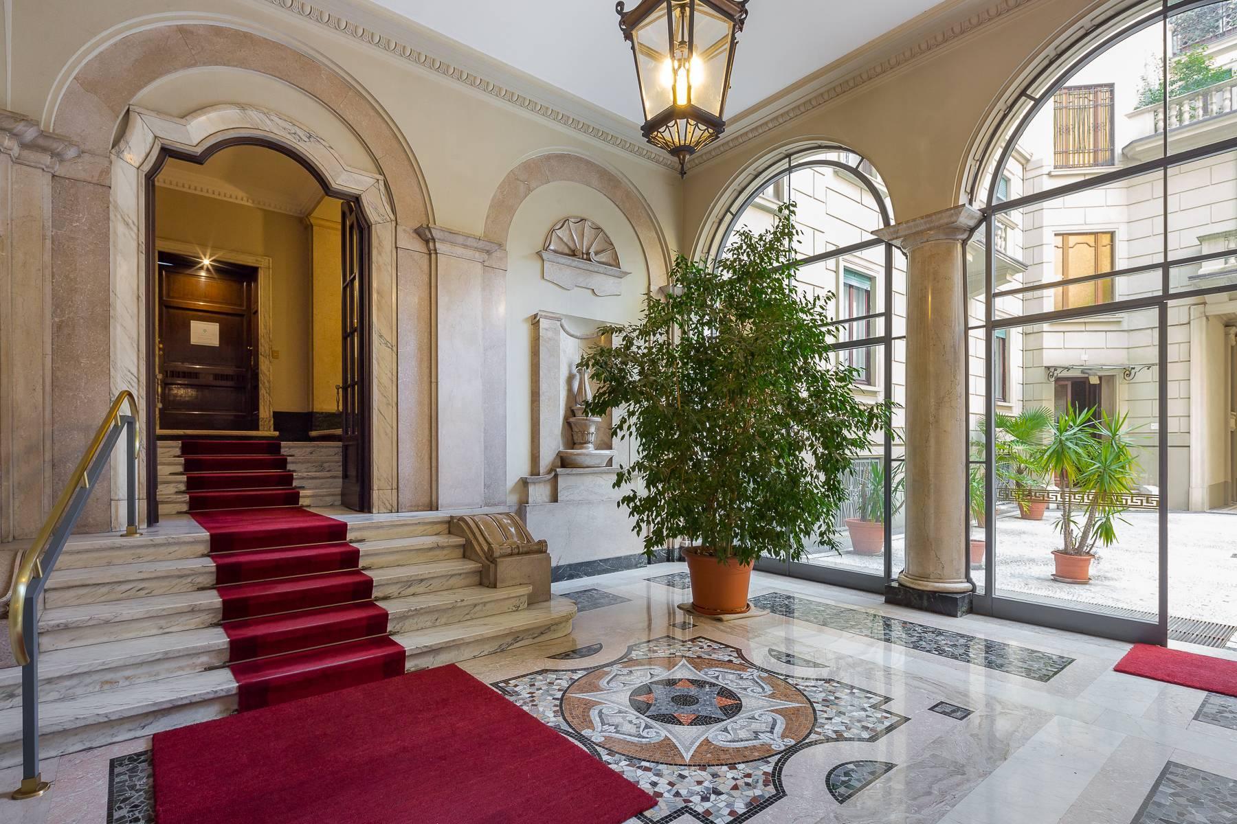Charming period apartment in Viale Majno - 14