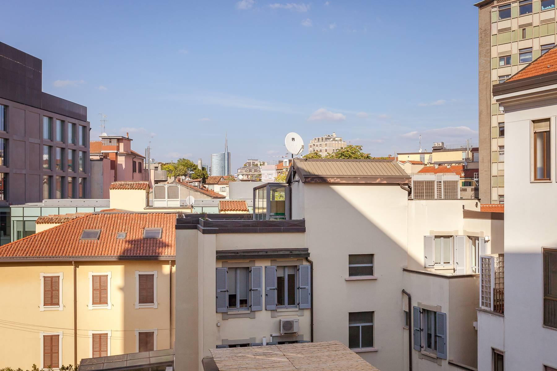 Bright, renovated two-bedroom apartment a stone's throw from the Duomo - 3