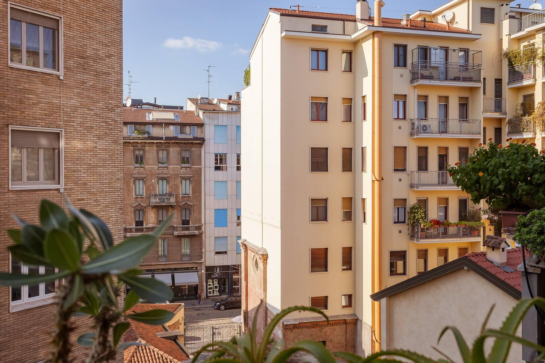 Bright, renovated two-bedroom apartment a stone's throw from the Duomo - 4