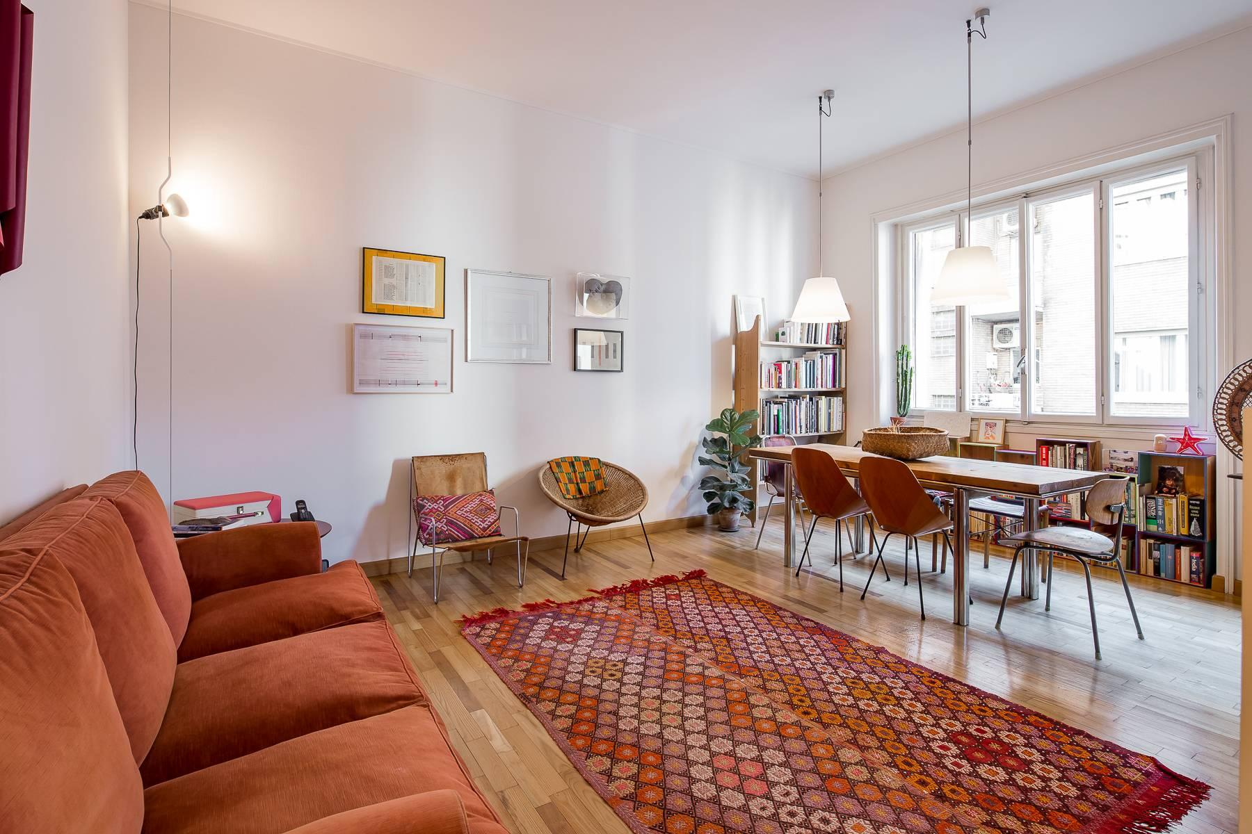 Bright, renovated two-bedroom apartment a stone's throw from the Duomo - 5
