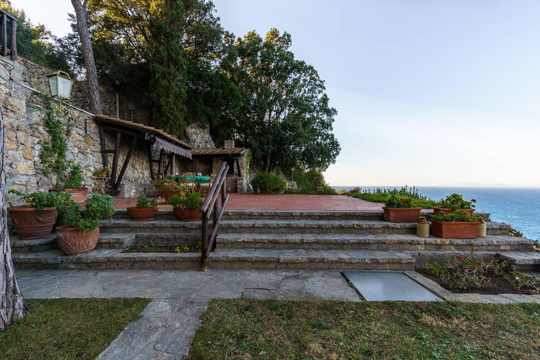 Villa in posizione unica con vista sulla baia di Porto Santo Stefano - 2