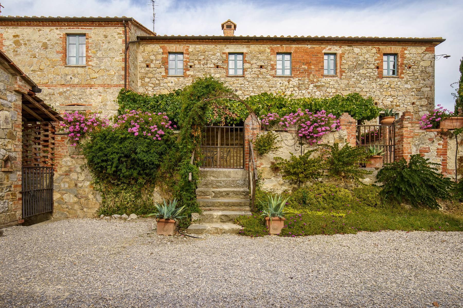 Organic winery in the heart of Crete Senesi - 6
