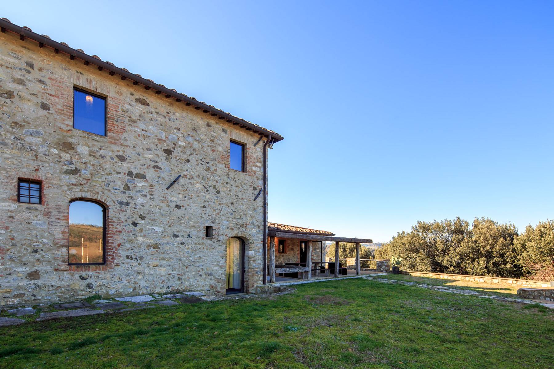 Elegantes Bauernhaus mit Pool mitten im Val D'Orcia - 3