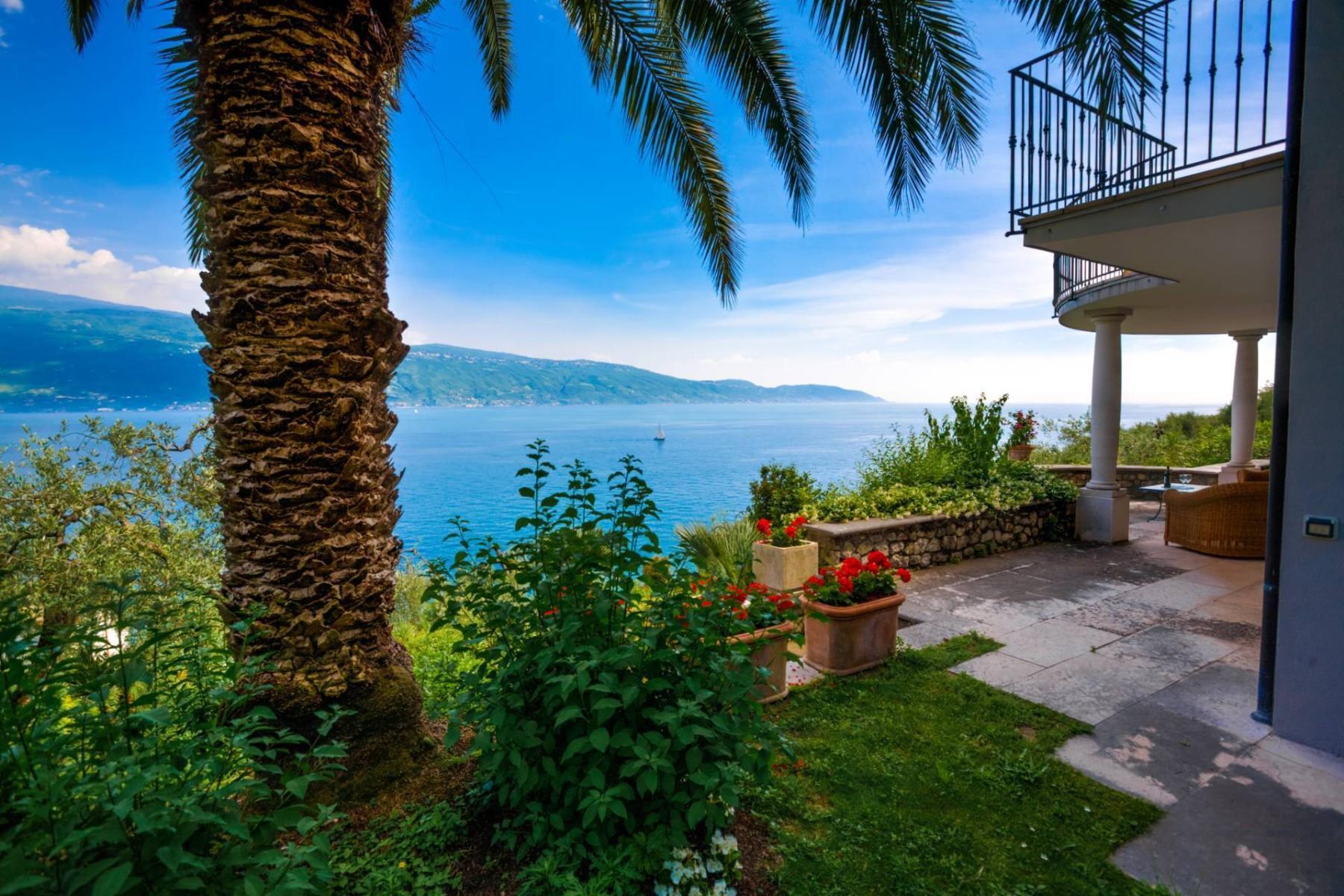Atemberaubende moderne Villa mit exklusivem Pool und herrlichem Seeblick - 32
