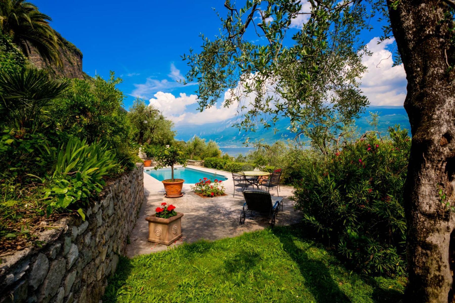 Atemberaubende moderne Villa mit exklusivem Pool und herrlichem Seeblick - 34