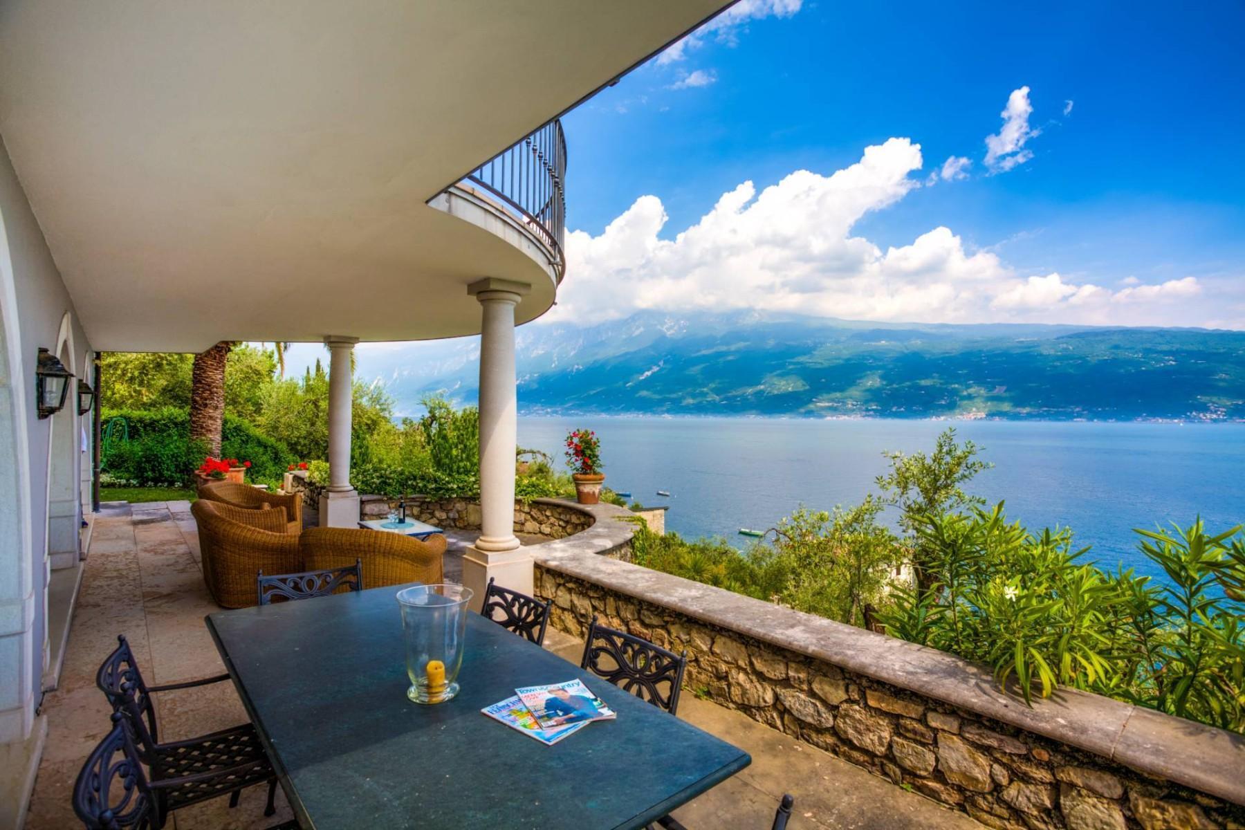 Atemberaubende moderne Villa mit exklusivem Pool und herrlichem Seeblick - 3