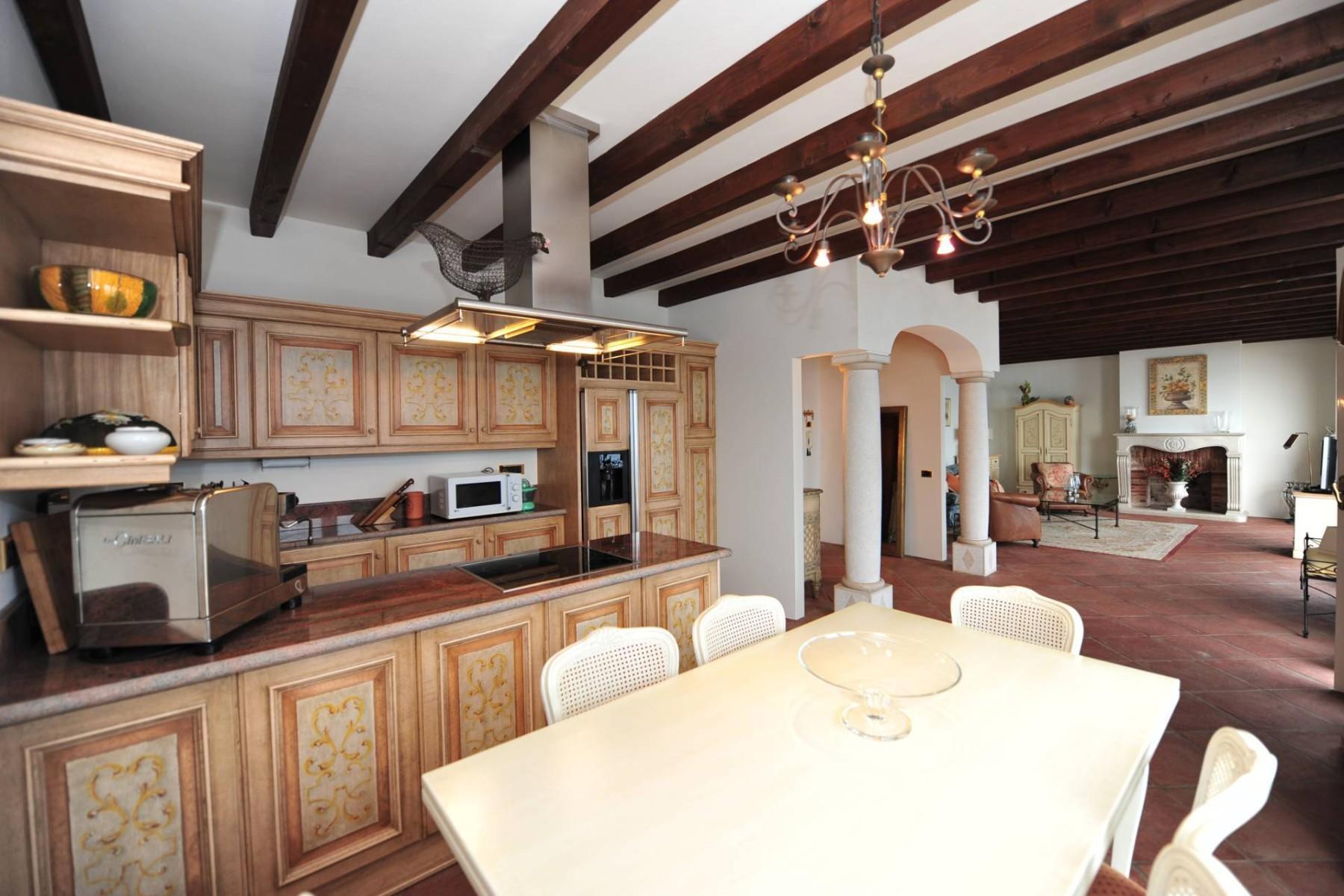 Atemberaubende moderne Villa mit exklusivem Pool und herrlichem Seeblick - 16