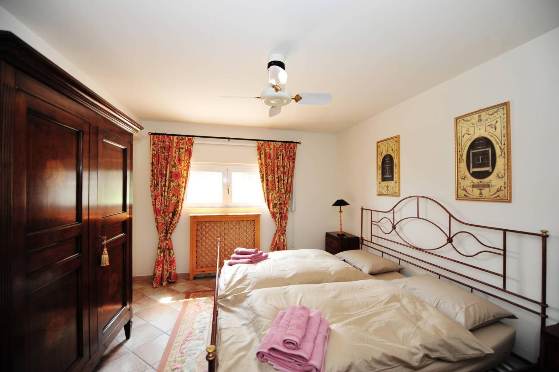Atemberaubende moderne Villa mit exklusivem Pool und herrlichem Seeblick - 27