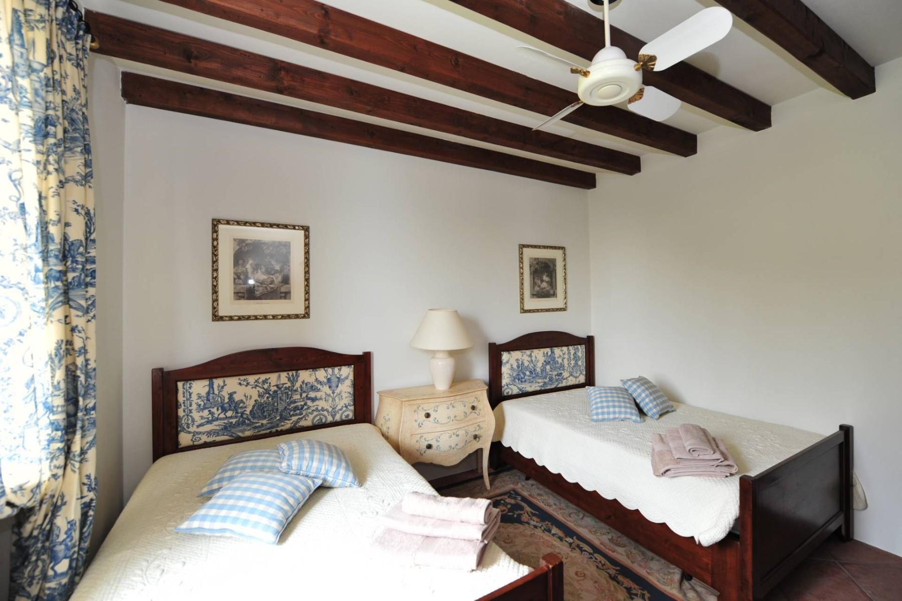 Atemberaubende moderne Villa mit exklusivem Pool und herrlichem Seeblick - 28