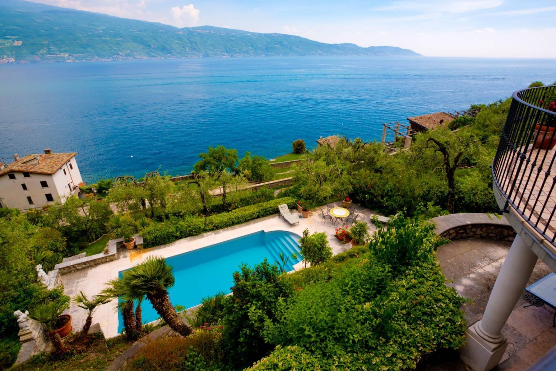 Atemberaubende moderne Villa mit exklusivem Pool und herrlichem Seeblick - 2