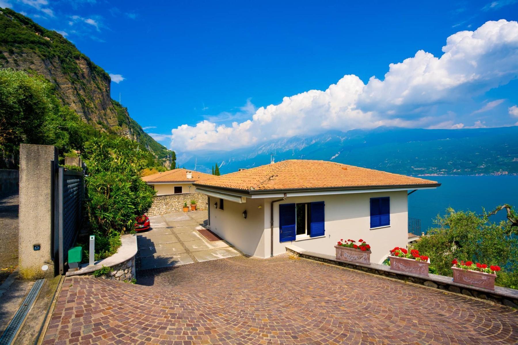 Atemberaubende moderne Villa mit exklusivem Pool und herrlichem Seeblick - 36