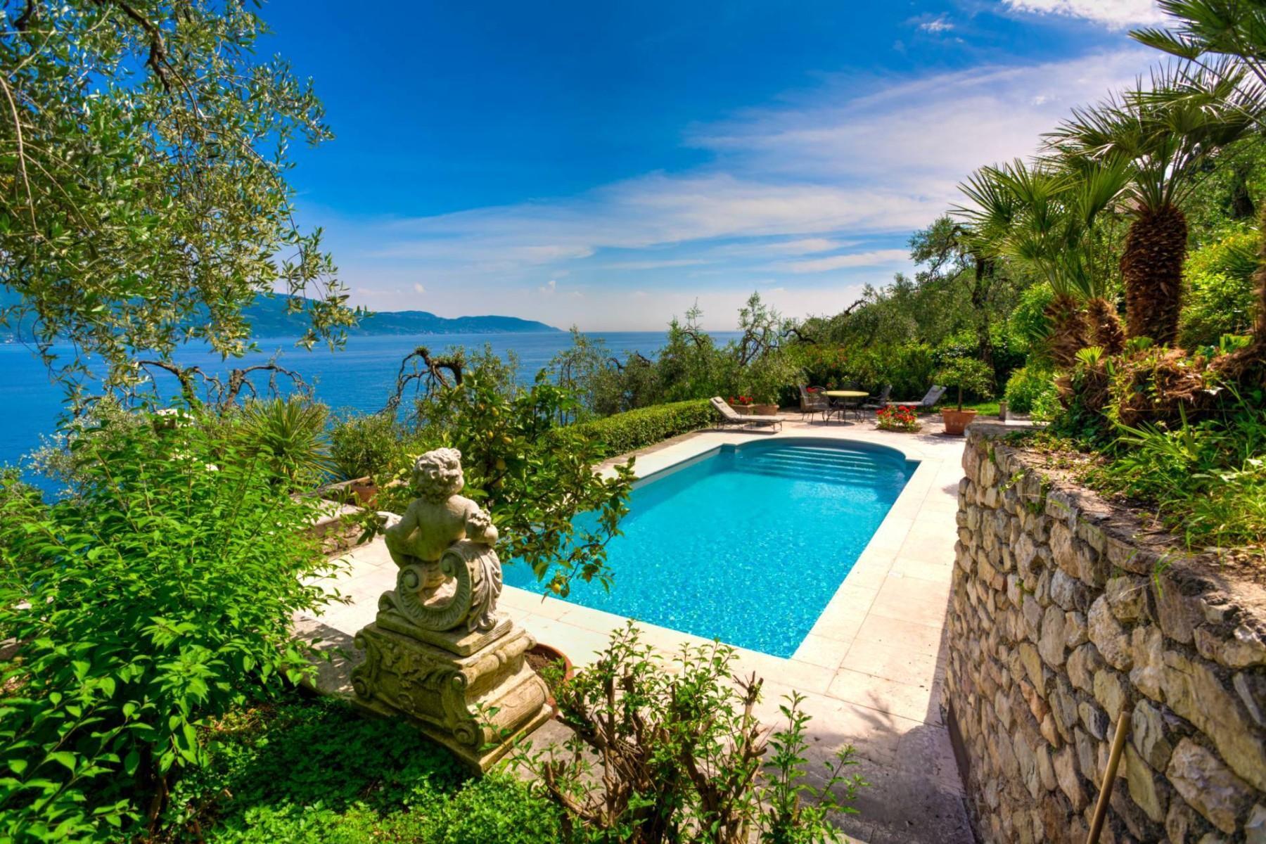 Atemberaubende moderne Villa mit exklusivem Pool und herrlichem Seeblick - 9