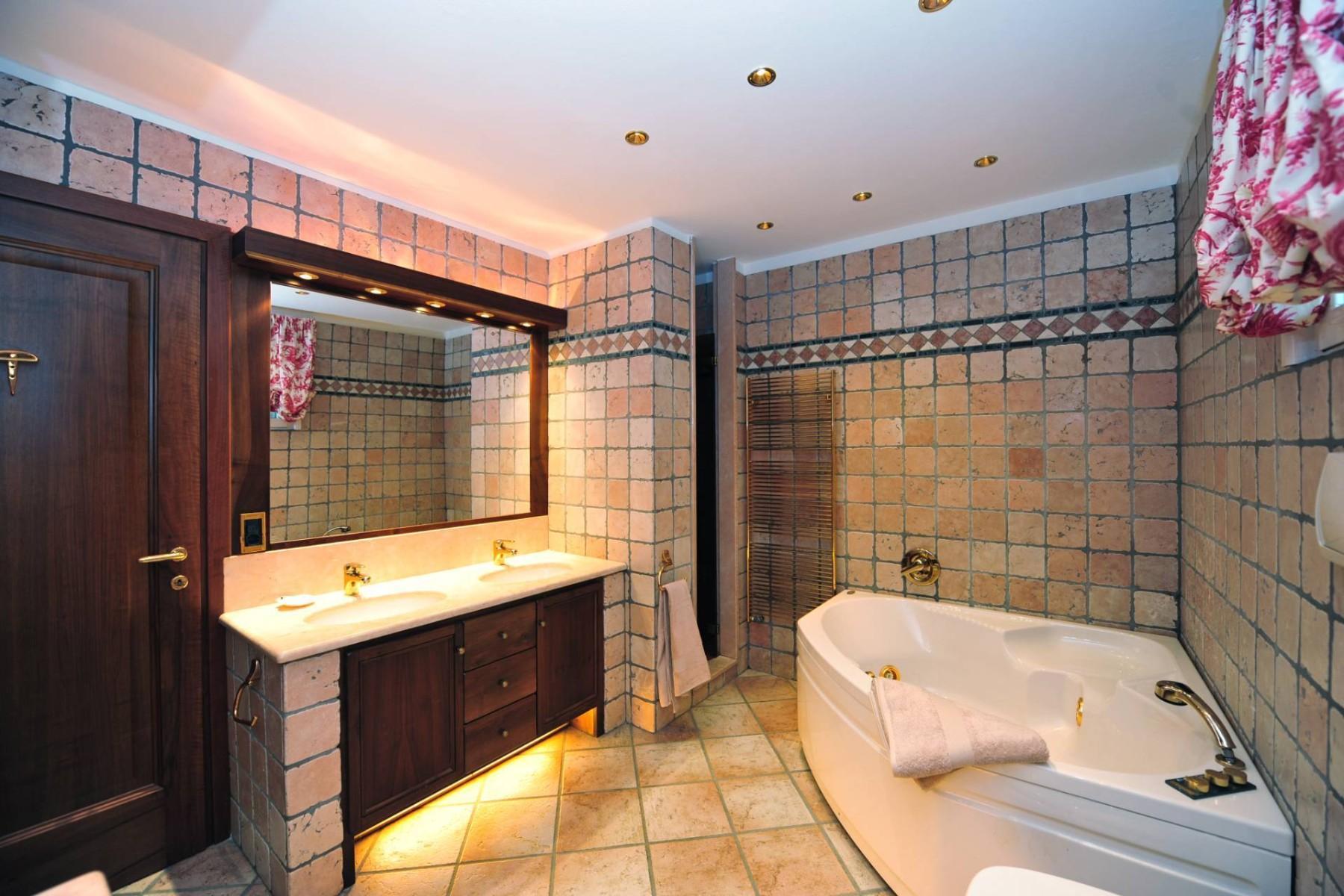 Atemberaubende moderne Villa mit exklusivem Pool und herrlichem Seeblick - 20